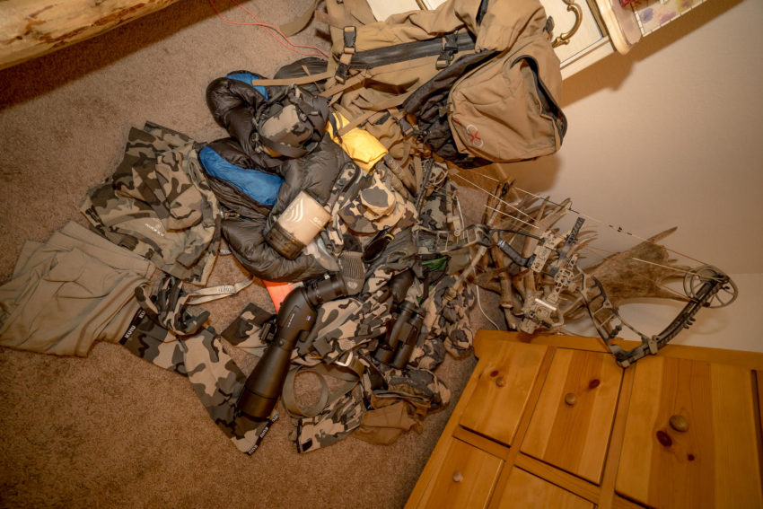 What to take in your BackPack while hunting High Country Mule Deer?